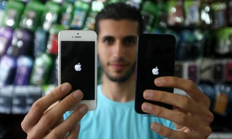 Apple передает властям США данные о владельцах