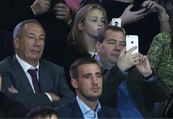 США хотят отключить в России все iPad и iPhone