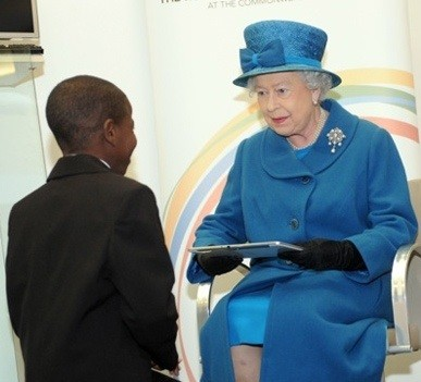 Английская королева выбрала Samsung Galaxy Note 10.1, а не iPad