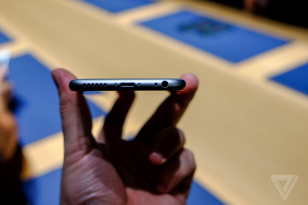 Смартфон Apple iPhone 6 фото